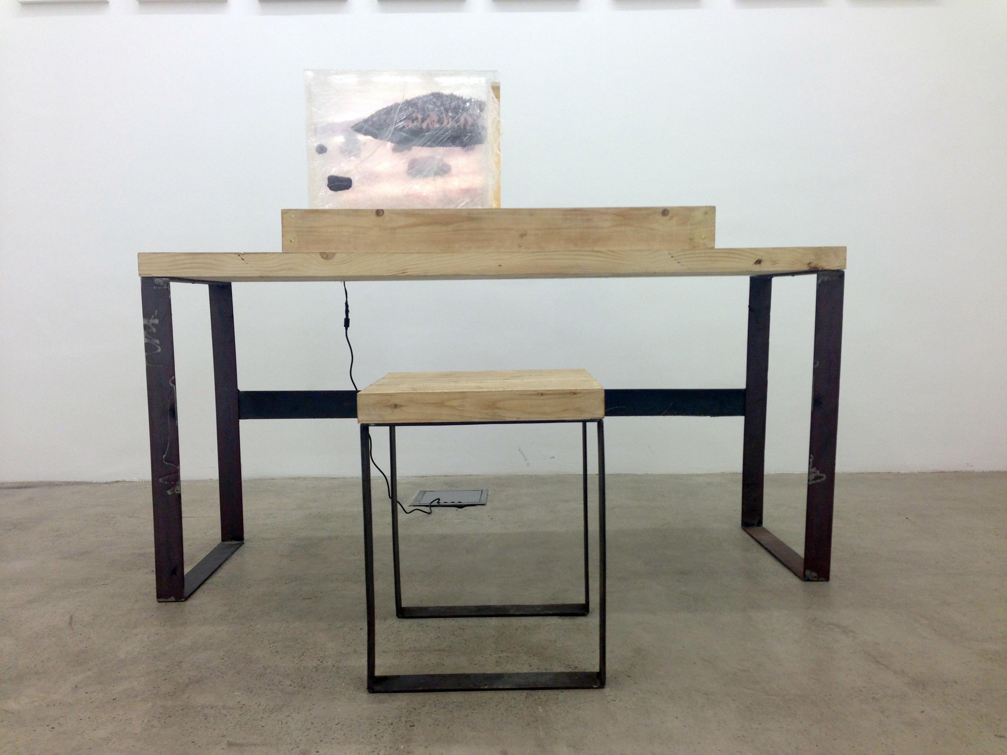 122 X 60 X 150 CM Wood, Iron, Plexiglass Flatbed Print Photo Installation